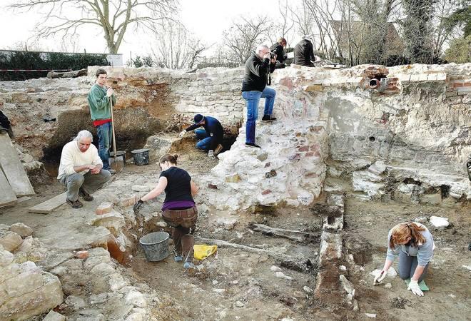 Feldarbeit eines Archäologen