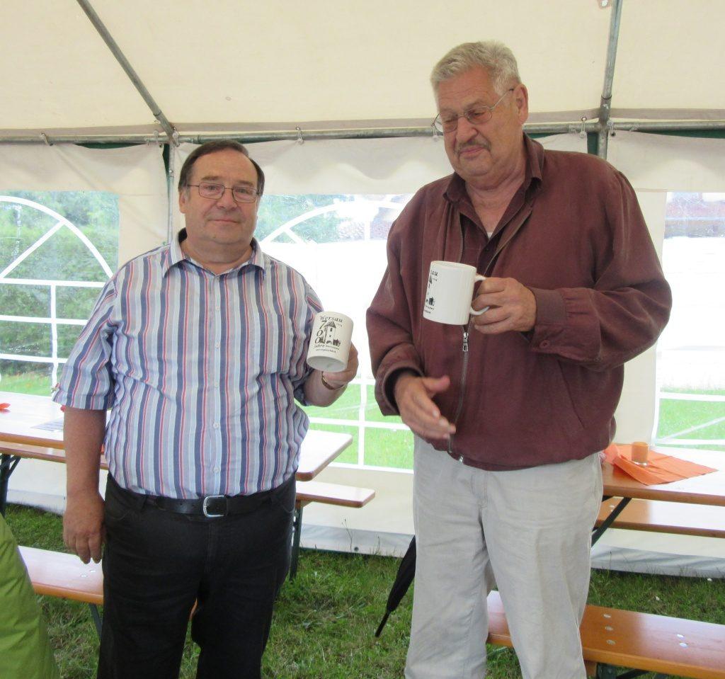 Georg Kaffenberger (links - Heimatverein Ort Wersau) und Dieter Müller (rechts - AK Burg Wersau)