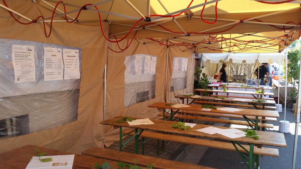 Unser neu angeschafftes Zelt - ideal für solche Festivitäten